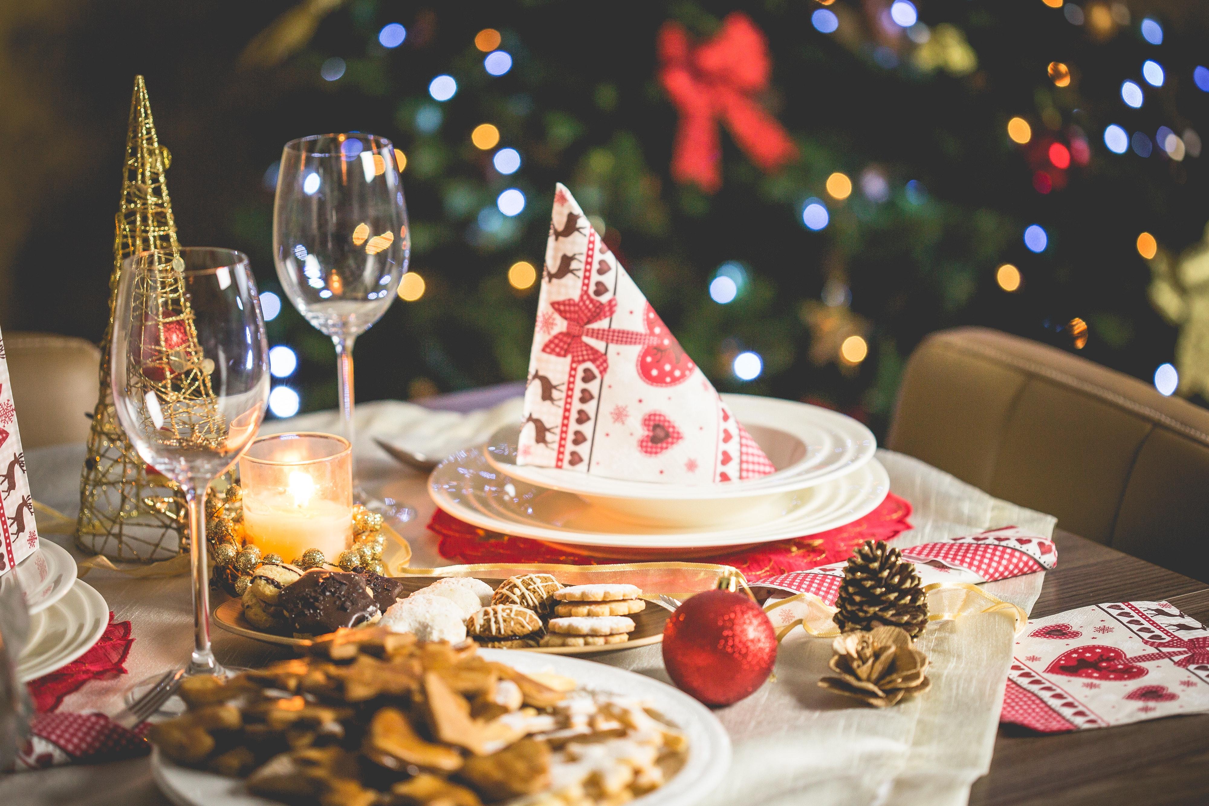 backyard-christmas-party